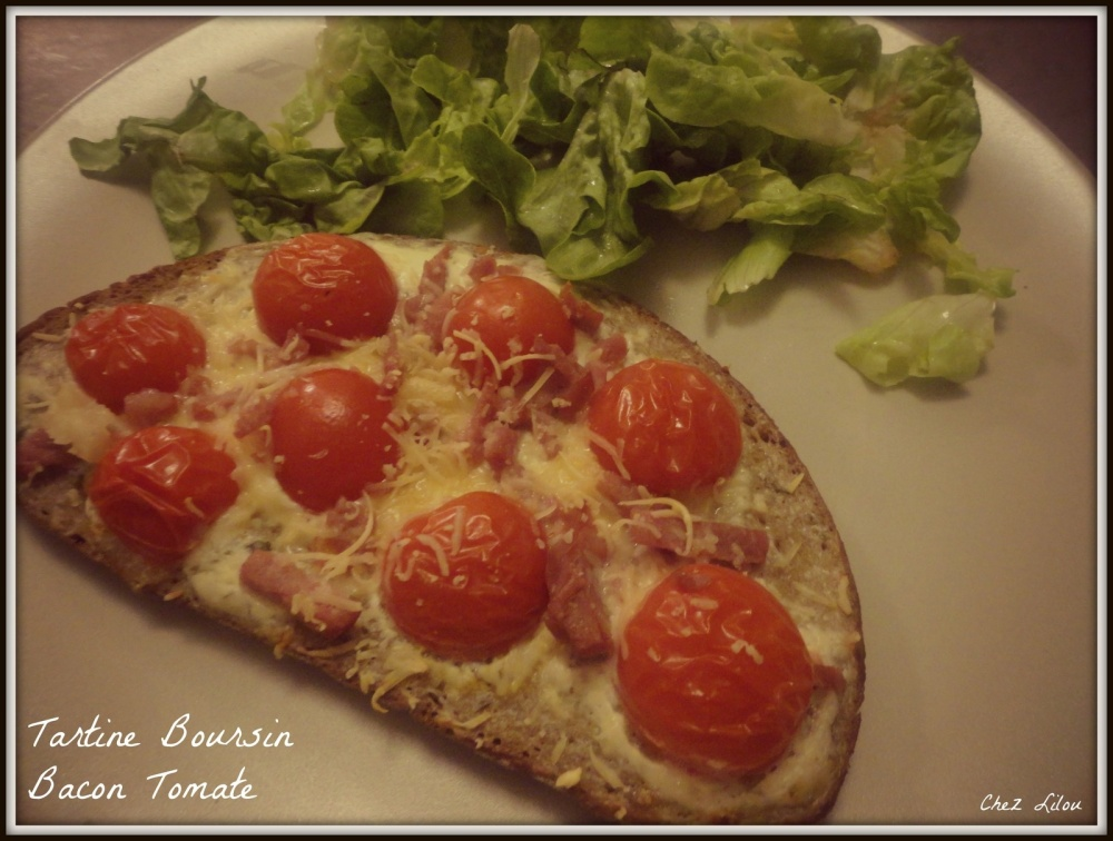 tartine-boursin-bacon-tomate